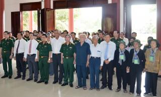 Đoàn cán bộ Trung ương, tỉnh dâng hương Đền thờ Nữ tướng Nguyễn Thị Định