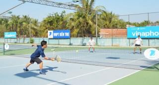 Khởi tranh Giải Quần vợt đồng đội nam