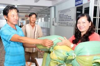 Bệnh viện Y học cổ truyền hỗ trợ bệnh nhân nghèo, khó khăn