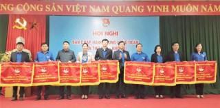Tỉnh Đoàn Bến Tre nhận Cờ thi đua xuất sắc của Trung ương Đoàn