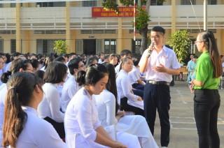 """""""Hành trình văn hóa"""" tại Trường THPT Nguyễn Đình Chiểu"""