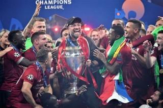 Liverpool thống trị Ngoại hạng Anh