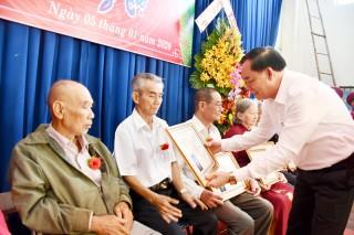 Câu lạc bộ Cán bộ hưu trí tỉnh tổng kết năm và mừng thọ hội viên