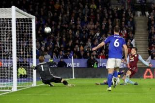 """""""Bầy cáo"""" Leicester bị Aston Villa cầm hòa"""