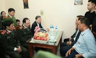 Bộ trưởng Tô Lâm thăm hỏi, chia buồn gia đình CBCS hy sinh tại Đồng Tâm