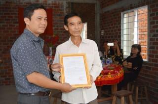 Trao tặng nhà tình thương cho hộ nghèo tại huyện Ba Tri