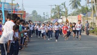 Mỏ Cày Nam tổ chức Giải Việt dã truyền thống