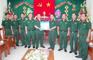 Phó chủ nhiệm Tổng cục Chính trị chúc Tết Bộ Chỉ huy Quân sự tỉnh