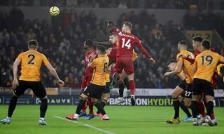 Liverpool đánh bại Wolves nhờ bàn thắng muộn của Firmino