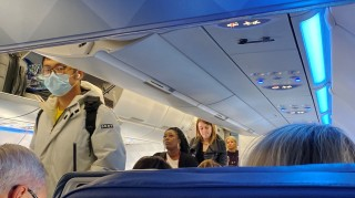 Mỹ điều máy bay sơ tán công dân khỏi vùng dịch virus corona ở Vũ Hán, Trung Quốc