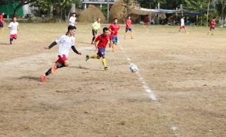 Xã Mỹ Thạnh khai mạc giải bóng đá, bóng chuyền