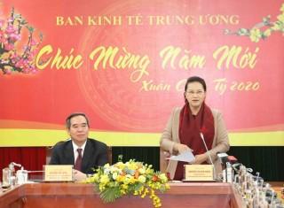 Chủ tịch Quốc hội Nguyễn Thị Kim Ngân làm việc với Ban Kinh tế Trung ương