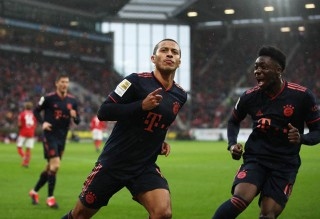Bundesliga 2019/20: Mainz 1-3 Bayern Munich: Lewandowski đưa Bayern chiếm ngôi đầu bảng