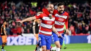 Rodrigo đá hỏng phạt đền, Valencia thua đau Granada