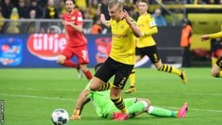 Haaland nổ súng lần thứ 8 nhưng không cứu được Dortmund