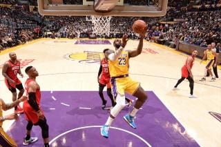 Kết quả NBA ngày 7-2-2020: Philadelphia 76ers chìm sâu, Lakers gục ngã trên sân nhà