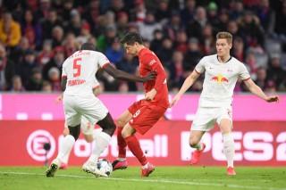 Chỉ giành được 1 điểm, Bayern vẫn đứng đầu Bundesliga