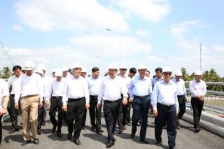 Phó Thủ tướng Thường trực Trương Hoà Bình làm việc tại Vĩnh Long