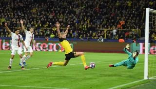 Neymar ghi bàn nhưng vẫn lu mờ trước cú đúp của Haaland