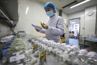 Trung Quốc mở rộng phương pháp điều trị Covid-19 bằng huyết tương