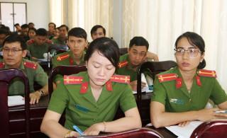 Tập huấn công tác phòng chống dịch bệnh cho lực lượng vũ trang