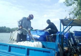 Giá nước ngọt giảm nhưng chi phí vận chuyển không giảm