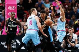 Kết quả NBA ngày 3-3-2020: Milwaukee Bucks, Houston Rockets bị vô hiệu hóa