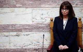 Nữ Tổng thống đầu tiên trong lịch sử Hy Lạp tuyên thệ nhậm chức