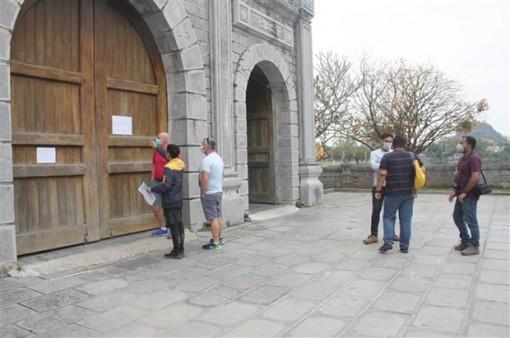 Ninh Bình, Tiền Giang dừng đón khách nước ngoài tham quan điểm du lịch