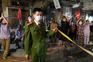 Hà Nội dỡ lệnh cách ly phố Trúc Bạch sau 14 ngày