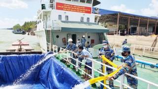 Hàng nghìn mét khối nước ngọt đến với nhân dân Bến Tre
