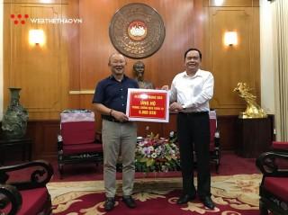 HLV Park Hang Seo ủng hộ 5.000 USD chống COVID-19