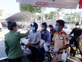 Phòng Cảnh sát giao thông thực hiện các biện pháp phòng dịch Covid-19