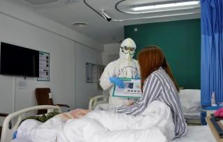 Chuyên gia y tế Trung Quốc tới Nga hỗ trợ chống dịch bệnh COVID-19