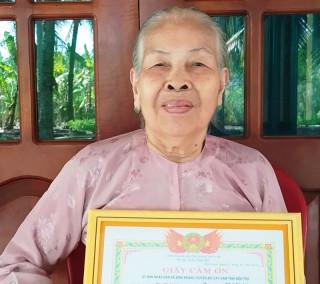 Mẹ Việt Nam anh hùng ủng hộ 2 triệu đồng chung tay chống dịch Covid-19