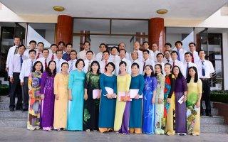 Về kỷ niệm ngày truyền thống các ban đảng và văn phòng cấp ủy
