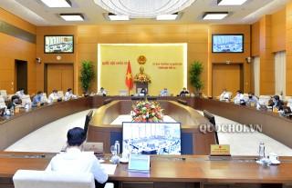 Ủy ban Thường vụ Quốc hội cho ý kiến về dự kiến Chương trình xây dựng luật, pháp lệnh năm 2021