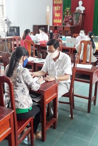 Ngân hàng Chính sách xã hội Mỏ Cày Bắc hỗ trợ tháo gỡ khó khăn do dịch bệnh