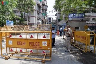 """Tất cả 11 quận của thủ đô Delhi (Ấn Độ) đều là """"Vùng Đỏ"""" Covid-19"""