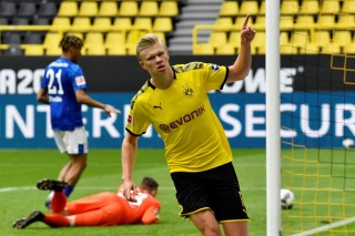 Haaland thăng hoa, Dortmund đại thắng trận Revierderby