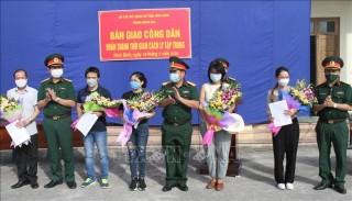 Bàn giao 81 công dân hoàn thành thời gian cách ly tại Ninh Bình