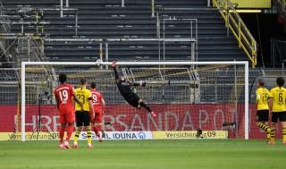 Kimmich lập siêu phẩm, Bayern cắt đuôi Dortmund