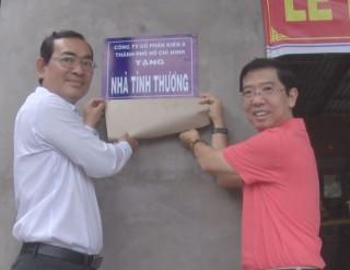 Báo Sài Gòn Giải Phóng tặng nhà tình thương tại Ba Tri