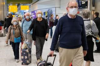 Ba hãng hàng không kiện Chính phủ Anh vì áp lệnh cách ly 14 ngày phòng COVID-19