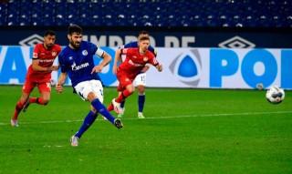 Hòa hú vía, Leverkusen vẫn lọt vào top 4