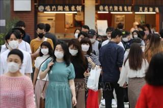 Thủ tướng Nhật Bản cảnh báo nguy cơ tái bùng phát dịch COVID-19