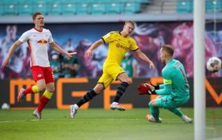 Haaland lập cú đúp giúp Dortmund giành ngôi Á quân Bundesliga