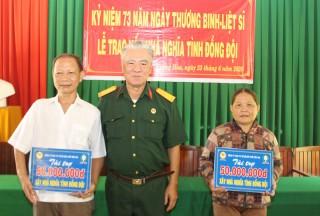 Trao vốn xây nhà nghĩa tình đồng đội tại xã Lương Hòa
