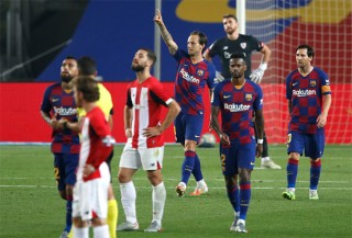 Messi giúp Barca đòi lại ngôi đầu từ Real