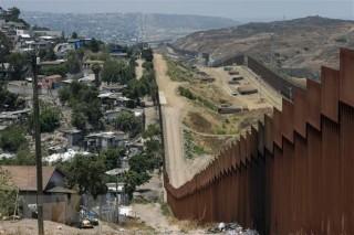 Mỹ đã xây xong hàng trăm km bức tường biên giới với Mexico